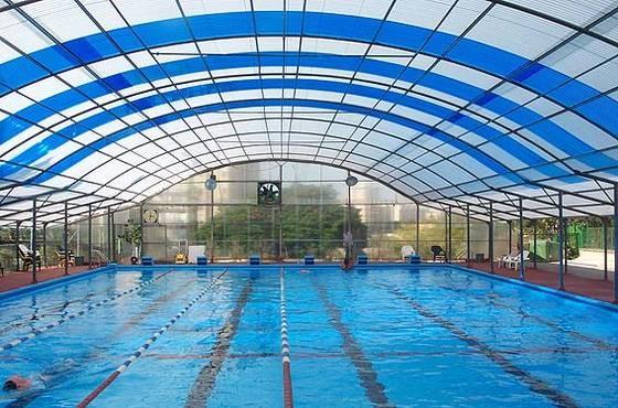 Mái che bể bơi, những loại mái che phổ biến hiện nay